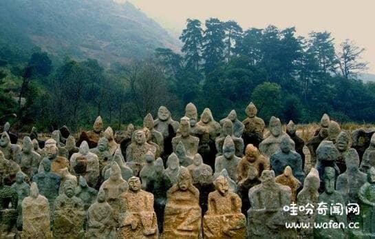 湖南鬼崽岭未解之谜,用千年时间把人石像堆满整座山(神的手笔)