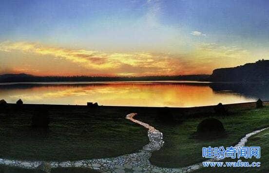 广东湛江湖光岩水怪之谜