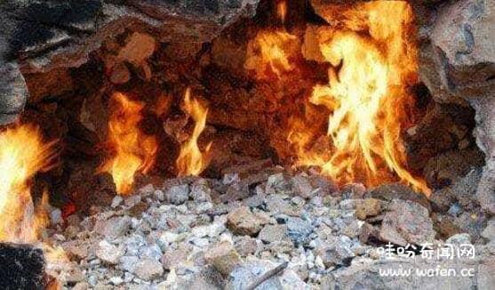揭秘贵州神秘地下火之谜,可能是山体中的矿物引发自燃(化为地狱)