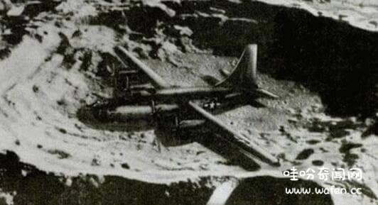 月球上的轰炸机