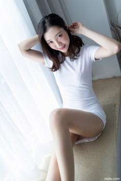 知性丽人miya米雅初具熟女风情
